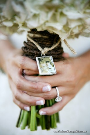Personal-Photo-Charm-Attached-to-Bridal-Bouquet-Petite-Fleur-by-The-French-Bouquet-Art-by-Kriea-310x465